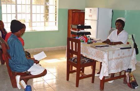 Nurse at Koidu Hospital Sierra Leone, USAID
