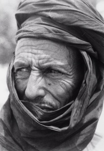 CC-BY-SA-3.0 by Tropenmuseum of the Royal Tropical Institute (KIT), Tuareg in Mail