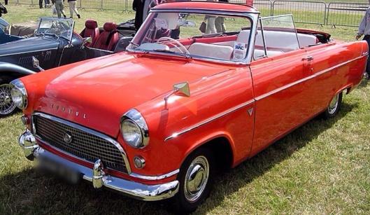 Ford Consul 1961 Public Domain via Wikipedia