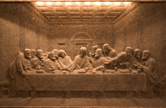 Last Supper carved in salt in the Wieliczka Salt Mine, photo by Adam Kumiszcza, 2005, CC-BY-3.0