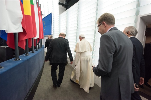 © European Union 2014 (CC-BY-NC-ND) Pope walking at EU