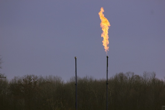 Flaring Fracking well. SCOTT TOWNSHIP, Lawrence County,PA WCN 24/7 CC BY-NC 2.0