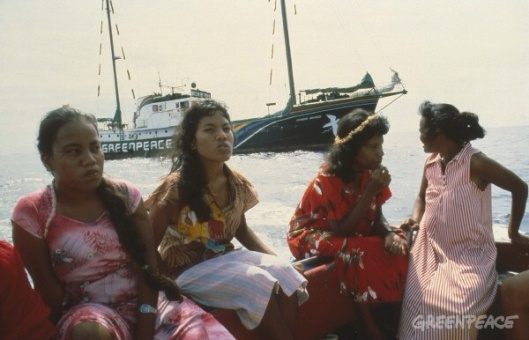 Evacutaion of Rongelap Islanders to Mejato by crew Rainbow Warrior. Pacific 1985.