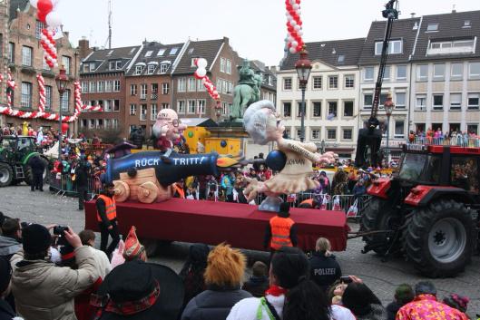 Annette Schavan, Düsseldorf Karneval 2013, 11 February 2013 by Citanova Düsseldorf, CC-BY-2.0